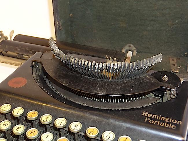 1921 Remington Portable Typewriter raised type