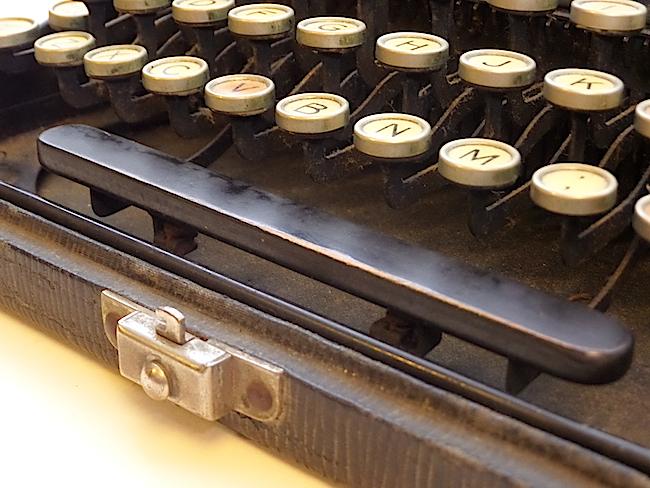 1921 Remington Portable Typewriter wood space bar