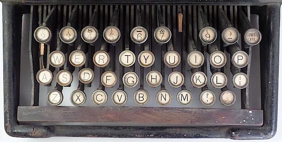 "The ""Lower Case"" key appears in the upper right corner. The ""Upper Case"" key is missing, and should be in the lower left corner."
