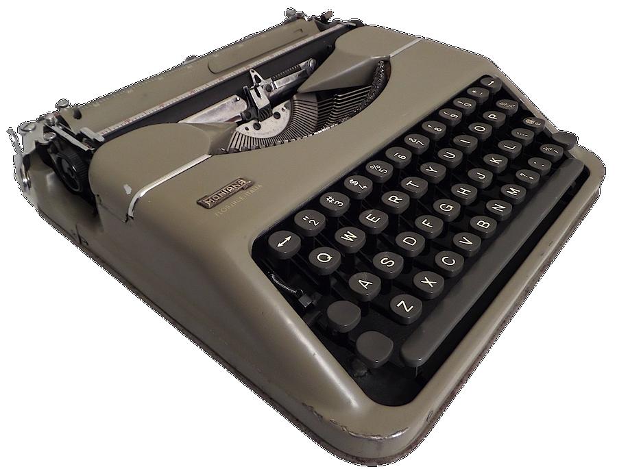 Montana Luxe Typewriter