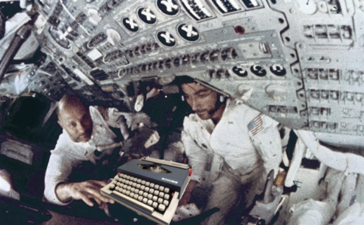 Royal Astronaut Typewriter in Sapce