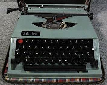 Montana Admiral Typewriter