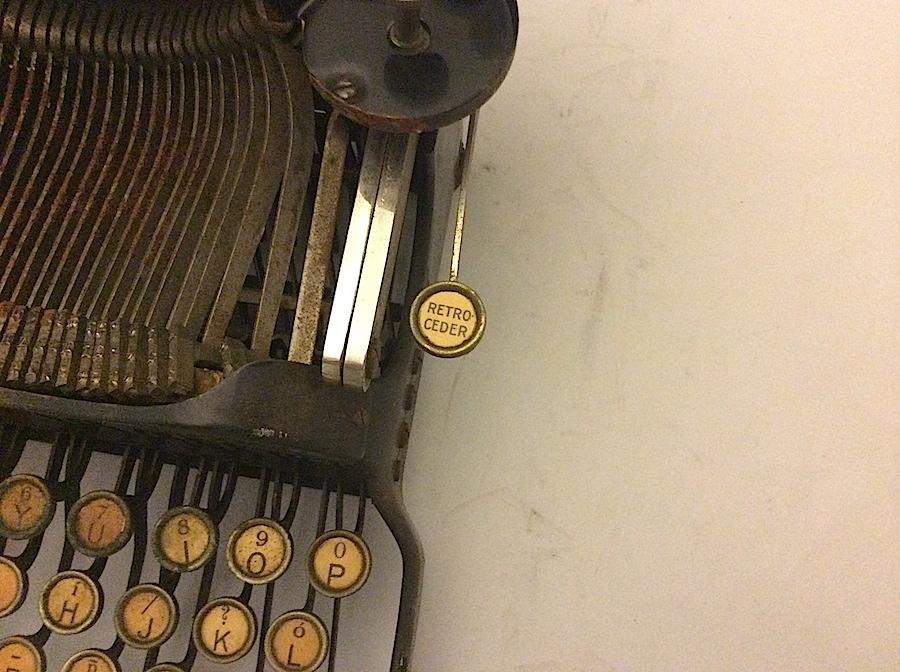 Corona No 3 retro ceder key