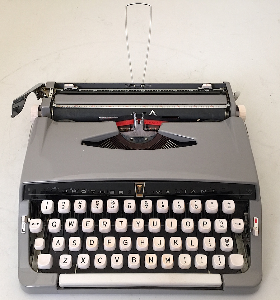 1961 Brother Valiant Typewriter 001