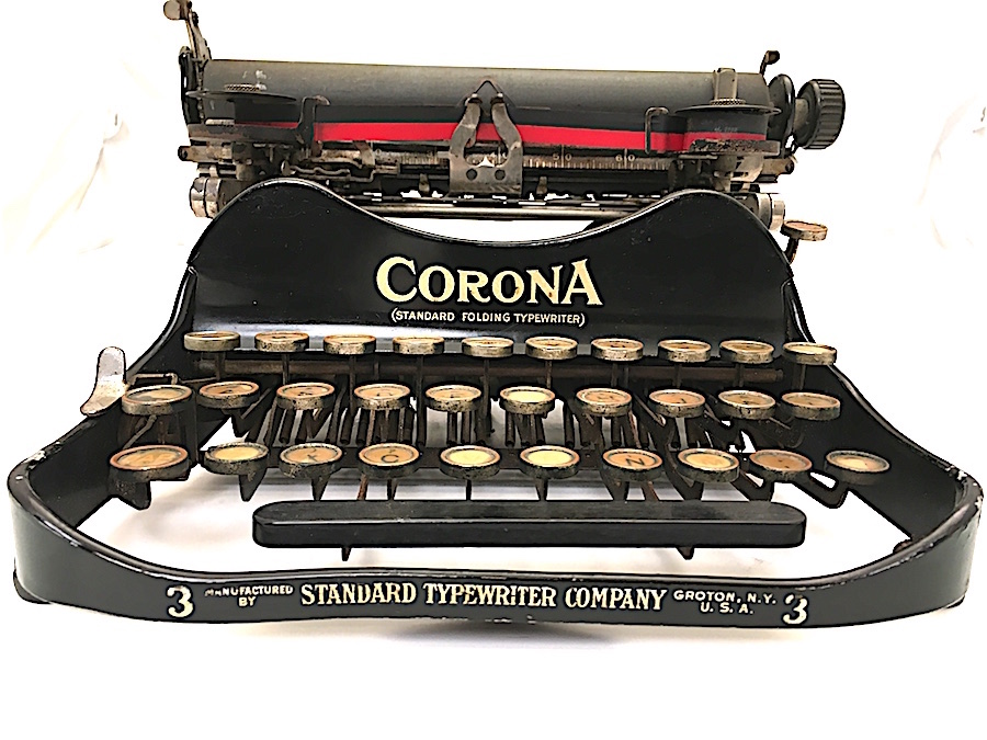 "Called the parenthetical machine, the Corona displayed the words ""Standard Folding Typewriter"" in parentheses. At the base of the machine are the words, ""Standard Typewriter Company."" In 1914, the company changed its name to Corona."