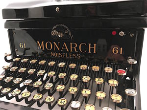 Remington Monarch Noiseless 61 Typewriter X207186 pic 02